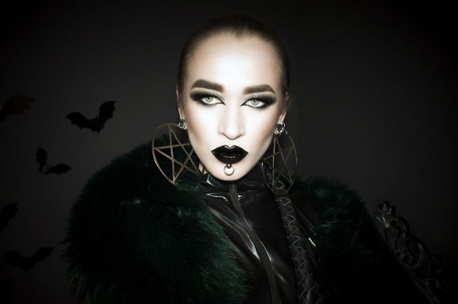 Een ijskoude rol voor webcam Mistress Venena