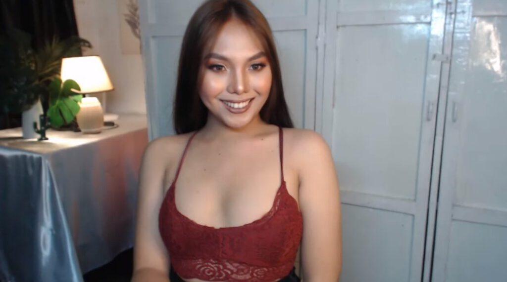 Knappe Transbabe live vanuit de Filipijnen