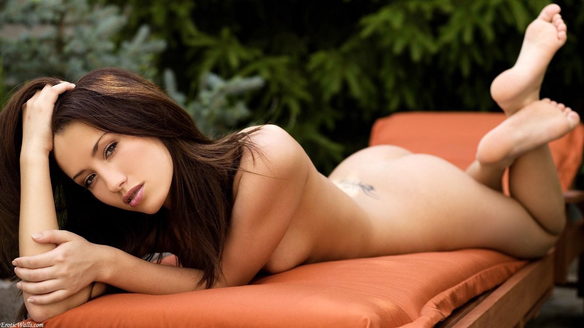 De Hot Tub met Model Alicia